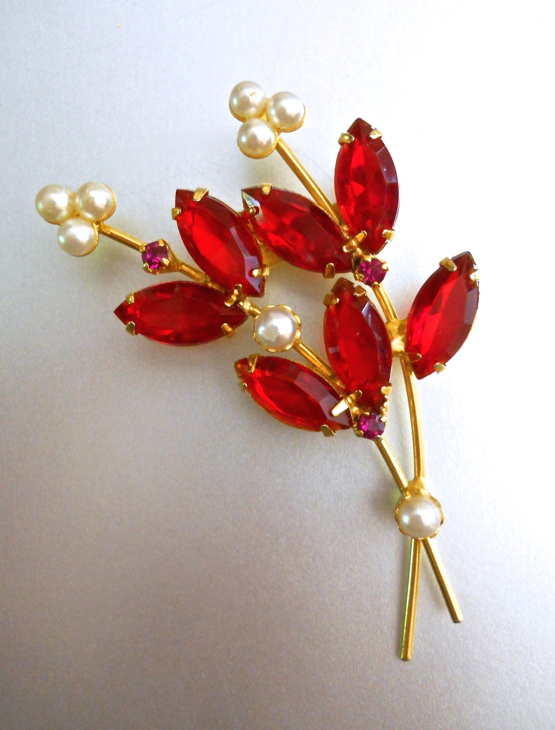 Sparkly Bling Nails: Red Rhinestone Flower Brooch Faux Pearls Marquis-Cut Floral