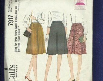 1960's McCalls 7917 Mid Century Preppy A-Line Skirt with an Inverted Front Pleat Size 14..16