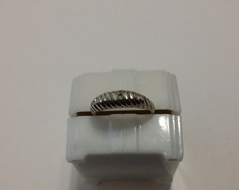 R 111 sterling silver ring approximate size 7 1/2