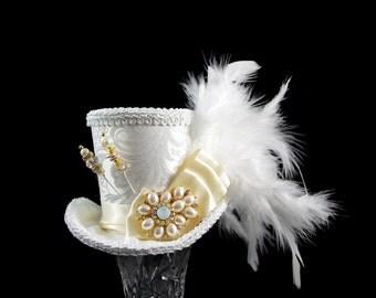 Ivory and Cream Wedding Mini Top Hat Fascinator, Alice in Wonderland, Mad Hatter Tea Party, Derby Hat, Bridal Hat