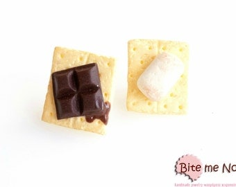 Mini Food S'more Earrings, S'more Jewelry, S'more Earrings, S'more Studs, Miniature Food, Faux Food Earrings, Food Jewelry, Foodie Gift