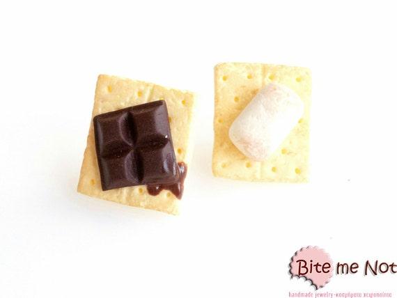Mini Food S'more Earrings, S'more Jewelry, S'more Earrings, S'more Studs, Miniature Food, Faux Food Earrings, Food Jewelry, Foodie Gift