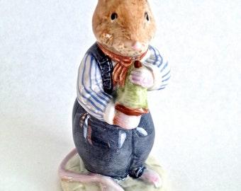 Royal Doulton Brambly Hedge Figure, Flax Weaver, DBH 20, Brambly Hedge Figurine