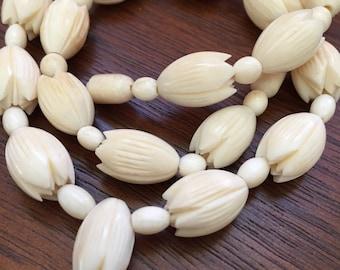 Vintage Hawaiian Carved Pikake Flower Necklace