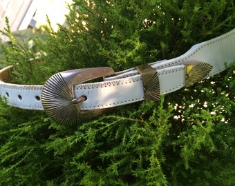 Southwestern 1990 White Leather Silver Creek Belt with Silver Critters Ladies Size 30