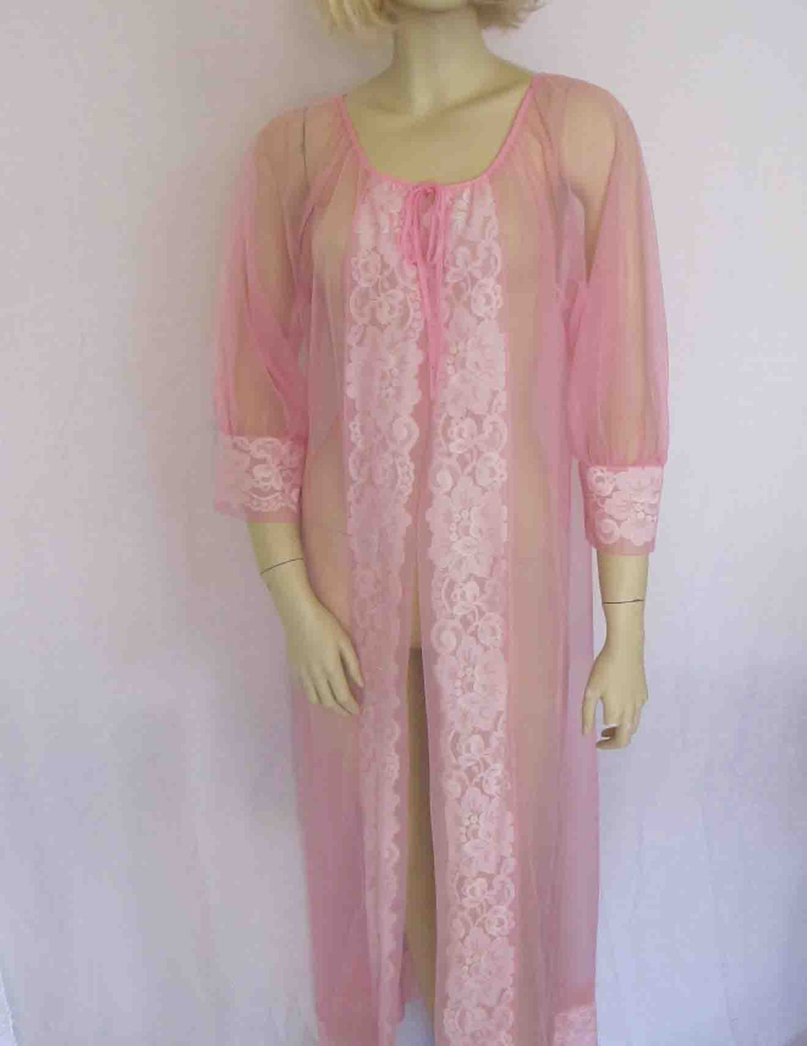 1960 negligee rose quartz robe sheer robe pink peignoir. Black Bedroom Furniture Sets. Home Design Ideas