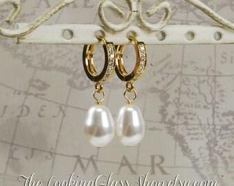 Kate Middleton Inspired Pearl Drop Earrings. Royal Wedding. Bridal Earrings. Duchess of Cambridge Earrings Replica. RepliKate. CopyKate.