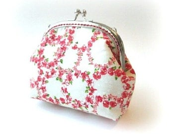 Frame coin purse red flowers on white cotton fabric with silver metal kiss lock bag, frame clasp pouch, frame clutch bag