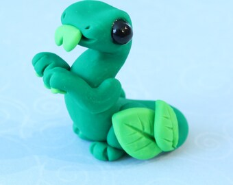 Dark Green Leaf Manderdrake Sculpture