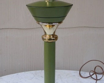 Avocado / Olive Green Mid Century Metal Table Lamp Vintage Western Wheat