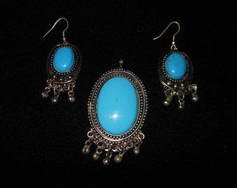 Vintage Faux Turquoise Pendant with matching earrings