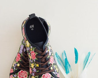 Hand painted Men Canvas Shoes, Men Sneakers with flowers, summer shoes, custom made sneakers, colourful shoes: Floral Boom!