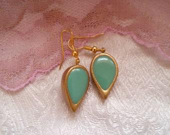 Teardrop earrings. vintage style earrings. turquoise dangle earrings. dangle drop earrings. turqoise earrings. everyday earrings. mint green