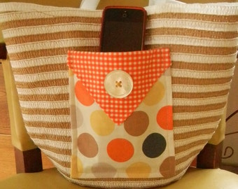 Straw Tote Bag with Attached Fabric Open Pocket on front of bag