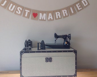 JUST MARRIED Wedding Vintage Bunting Banner