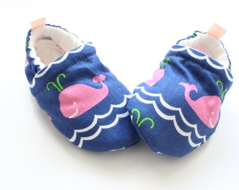 pink whales! baby shoes, Soft Sole Baby Shoes, Fabric Baby Booties