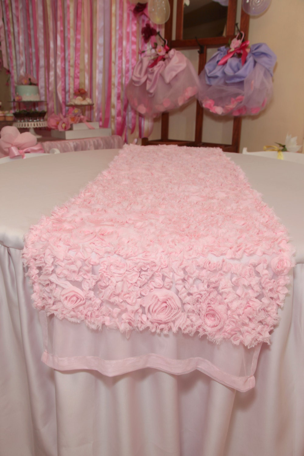 Pink Embroidered Daisy Rosette Mesh Table Runner