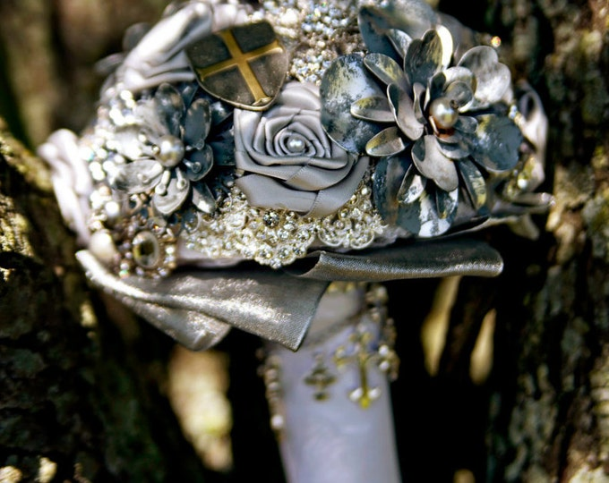 Medieval Charm Metal and Satin Brooch Bouquet