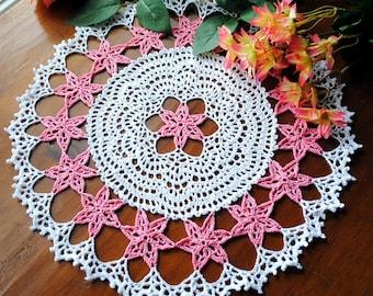 """Crochet doily, white, pink flowers, rain lilies, lace doilie, 14 1/2"""""""