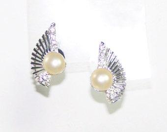Art Deco Wing Earrings / Silver / Pearl / Rhinestones - Gatsby / Glamour / Formal / Bridal / Wedding / Statement Earrings