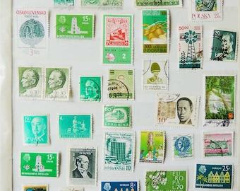 40 GREEN Vintage International Postage Stamps - Scrapbooking - Card Making - Collecting