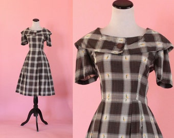 1950s plaid dress/ 50s floral  day dress/ medium • free US shipping