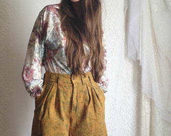 80s Floral High Waist Shorts // Vintage Green Yellow Mom Jeans // Size: S/M