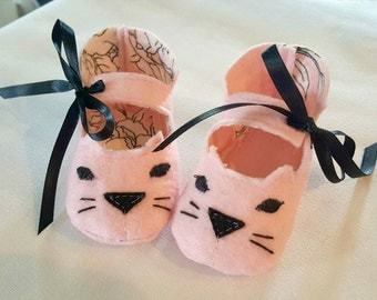 Handmade Kitty Cat Baby Shoes - Pink Sizes S M L