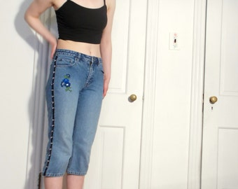 vintage 80s/90s beaded/embroidered floral detailed denim trendy jean capris