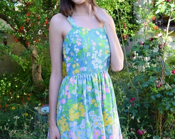 Vintage 1960s Pastel Floral Mod Summer Cotton Charming Lightweight Daisy Pleated Circle Skirt Spaghetti Strap Flowers Darling Mini Dress S-M