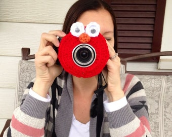 Elmo Camera lens buddy.  Crochet camera critter elmo, shutter buddy,  Photography prop