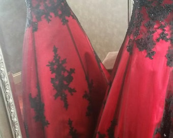 Gorgeous Red and Black Wedding Dress Sweetheart Neckline