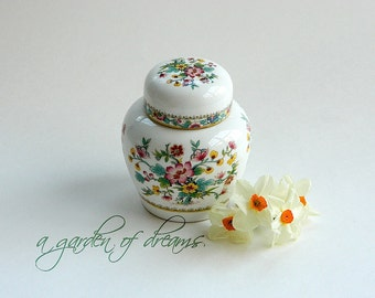 Small Coalport English China ginger jar Ming Rose pattern floral Chinoiserie decorative accent table desk home decor English c1980