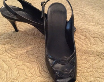 BLACK PATENT LEATHER Slingback size 7 vintage ladies pumps