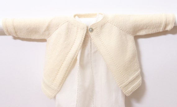 Baby Cardigan / Knitting Pattern / English Instructions / PDF Instant Download / 5 Sizes : Newborn / 3 / 6 / 9 and 12 months