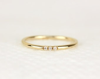 Voor simple wedding ring shop je op Etsy