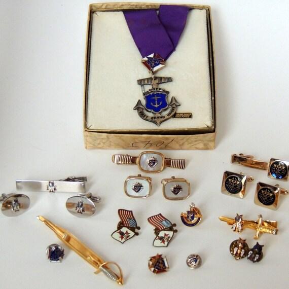 Vintage Knights Of Columbus Medal Cufflinks Tie Lapel
