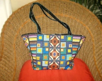 MADE TO ORDER: Evening city Tote Bag trapezoidal form embroidered by hand, Unique shoulder bag