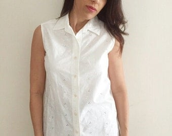 80s Vintage white buttoned top White stag embroidery top size medium sleevless women blouse women embroidery