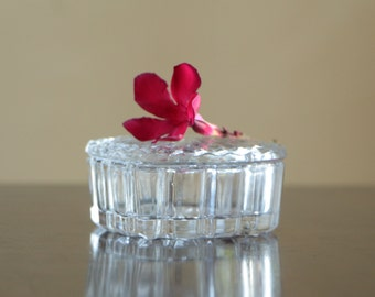 Vintage clear cut glass heart shape trinket box with lid / small lidded romantic container wedding decor