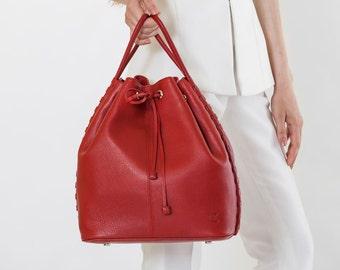 TATYZ textured-leather bucket bag (red)