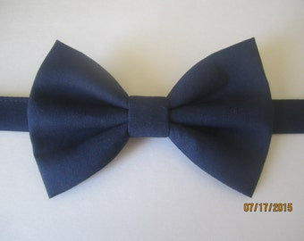 Men's Navy blue bow tie, Navy blue bow tie, Navy blue bow tie for boy, Boy navy blue bow tie. Wedding bow tie. Navy blue bow tie for men