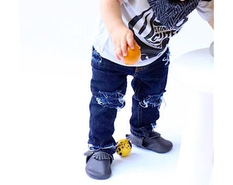 Jane/John Jeans - Baby/toddler girl/boy hand-distressed jeans