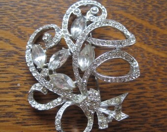 Vintage Rhinestone Silver Brooch/Pin