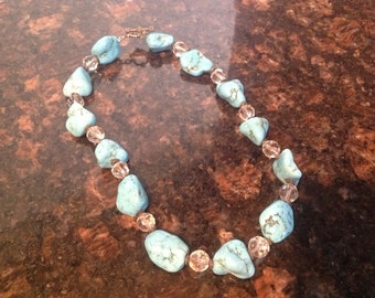 Gorgeous chunky turquoise necklace with toggle clasp.
