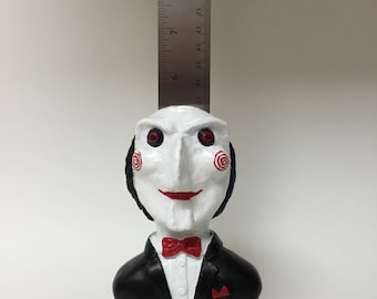 Maniacs Messenger - Inspired by Billy the puppet from the Saw movie franchise