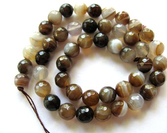 Agate beads, 23 beads, striped Agate, 8mm, faceted beads - #269