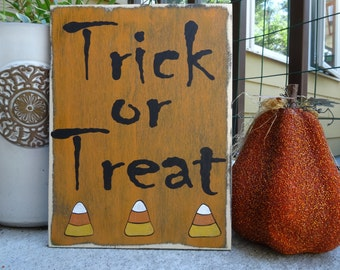 Trick or Treat. Hand painted wood sign/ Halloween decoration/ Halloween outdoor decor/ Halloween sign