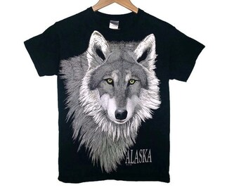 Vintage WOLF Shirt 1996 Animal t-shirt Soft Grunge Nature Alaska Size Small