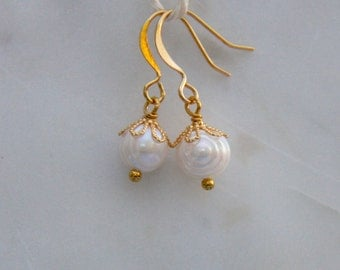 Gold freshwater pearl earrings